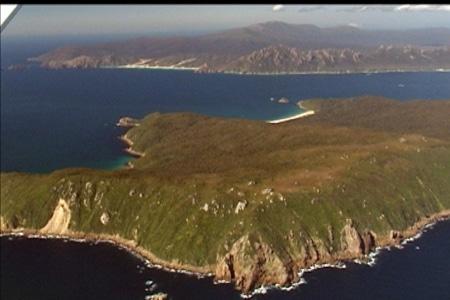 Codfish Island, sails ashore, stewart island
