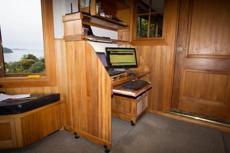 Rimu Computer Desk